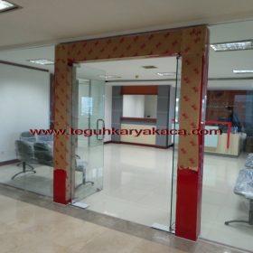 Kusen aluminium & pintu kaca tempered