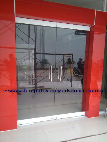 pintu frameless floorhing